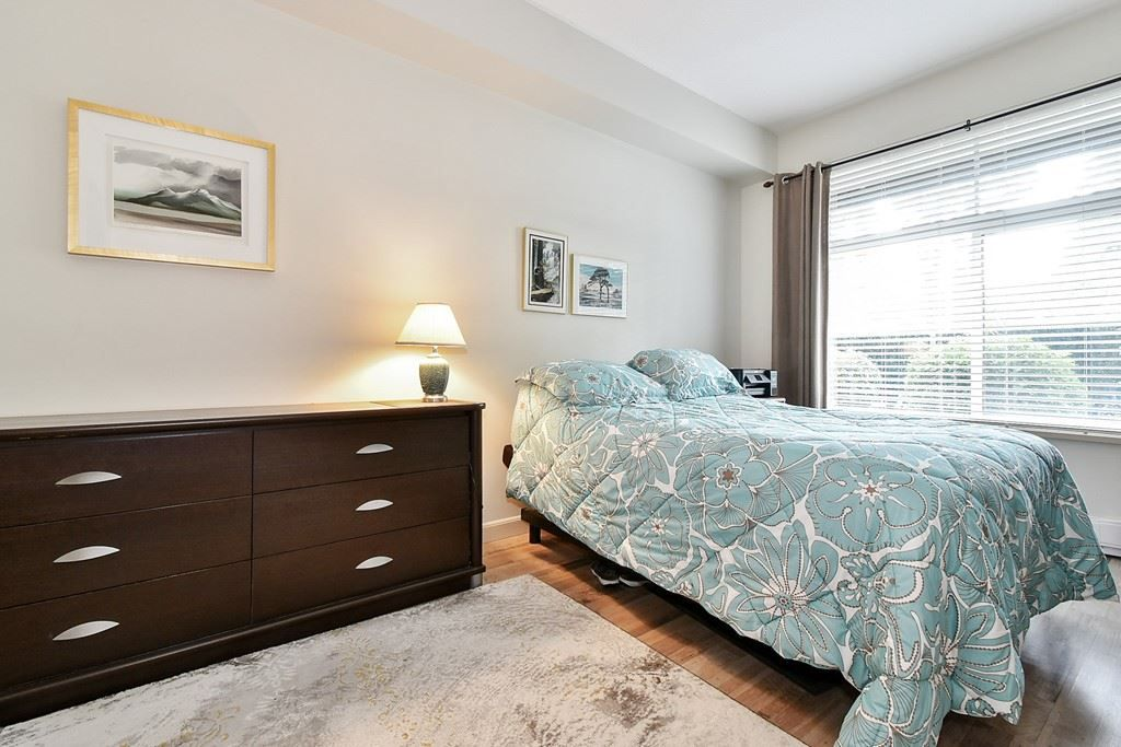 """Photo 10: Photos: 107 33318 E BOURQUIN Crescent in Abbotsford: Central Abbotsford Condo for sale in """"Natures Gate"""" : MLS®# R2499999"""