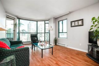 """Photo 5: 1906 888 HAMILTON Street in Vancouver: Downtown VW Condo for sale in """"ROSEDALE GARDEN"""" (Vancouver West)  : MLS®# R2542026"""