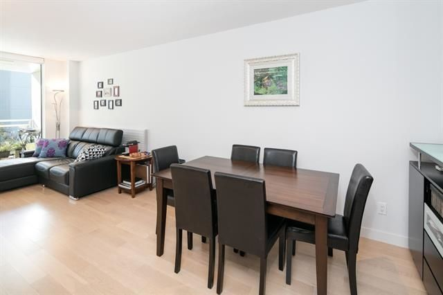 """Photo 14: Photos: 211 1635 W 3RD Avenue in Vancouver: False Creek Condo for sale in """"THE LUMEN"""" (Vancouver West)  : MLS®# R2230902"""