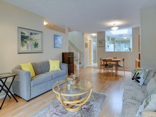 Photo 3: 25 3049 Brittany Dr in : Co Sun Ridge Row/Townhouse for sale (Colwood)  : MLS®# 886132