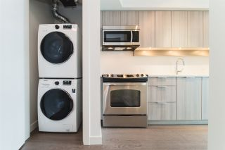 "Photo 9: 2111 13308 CENTRAL Avenue in Surrey: Whalley Condo for sale in ""Evolve"" (North Surrey)  : MLS®# R2403859"