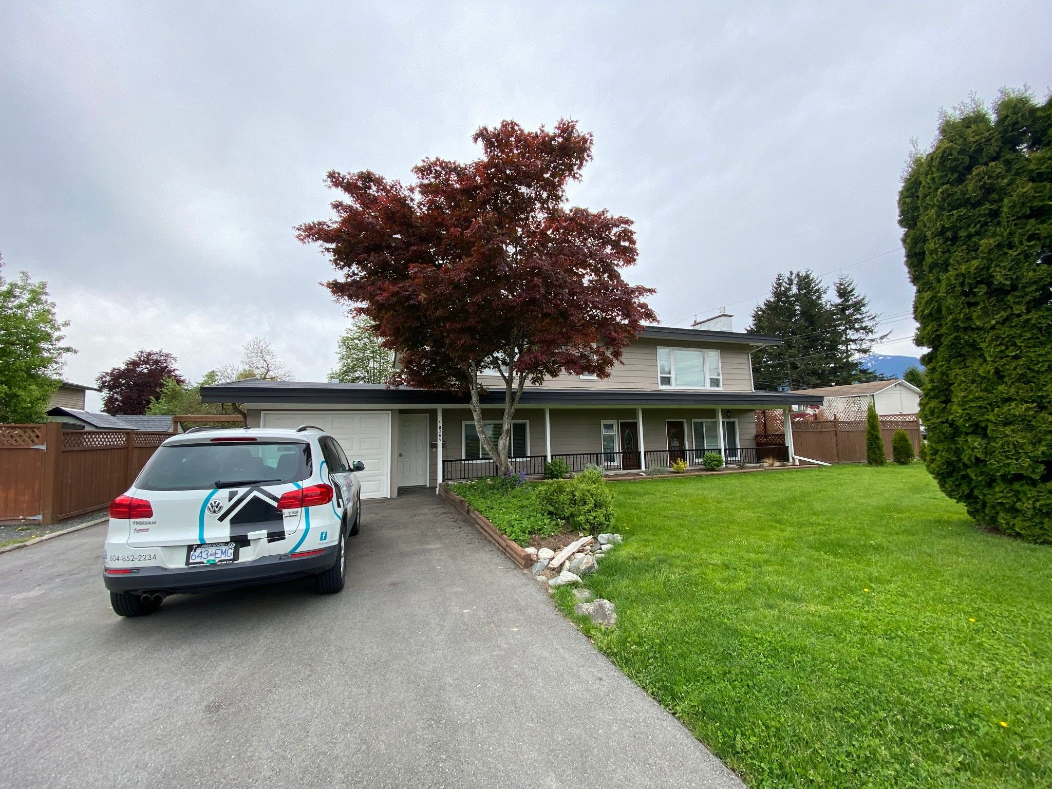 Main Photo: Upper 10345 Beverley Dr. in Chilliwack: Fairfield Island Condo for rent