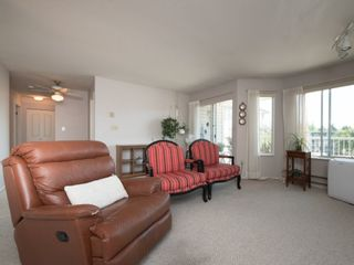"""Photo 5: 202 5363 206 Street in Langley: Langley City Condo for sale in """"Park Estates II"""" : MLS®# R2188125"""
