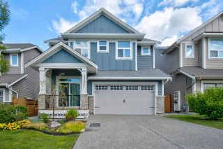 Photo 1: 27581 27A Avenue in Langley: Aldergrove Langley House for sale : MLS®# R2586772