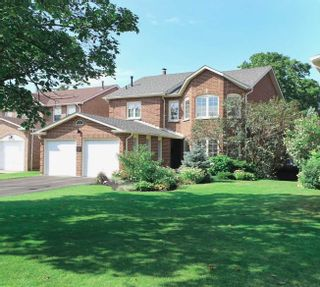Photo 1: 24 Resolute Crescent in Whitby: Lynde Creek House (2-Storey) for sale : MLS®# E4560078