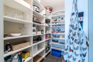 """Photo 11: 2103 583 BEACH Crescent in Vancouver: Yaletown Condo for sale in """"PARK WEST TWO"""" (Vancouver West)  : MLS®# R2361220"""