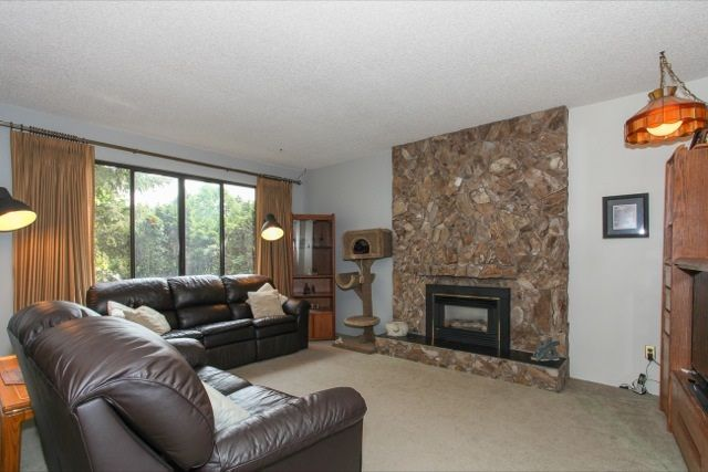 """Photo 3: Photos: 6079 132A Street in Surrey: Panorama Ridge House for sale in """"North Ridge"""" : MLS®# R2065157"""