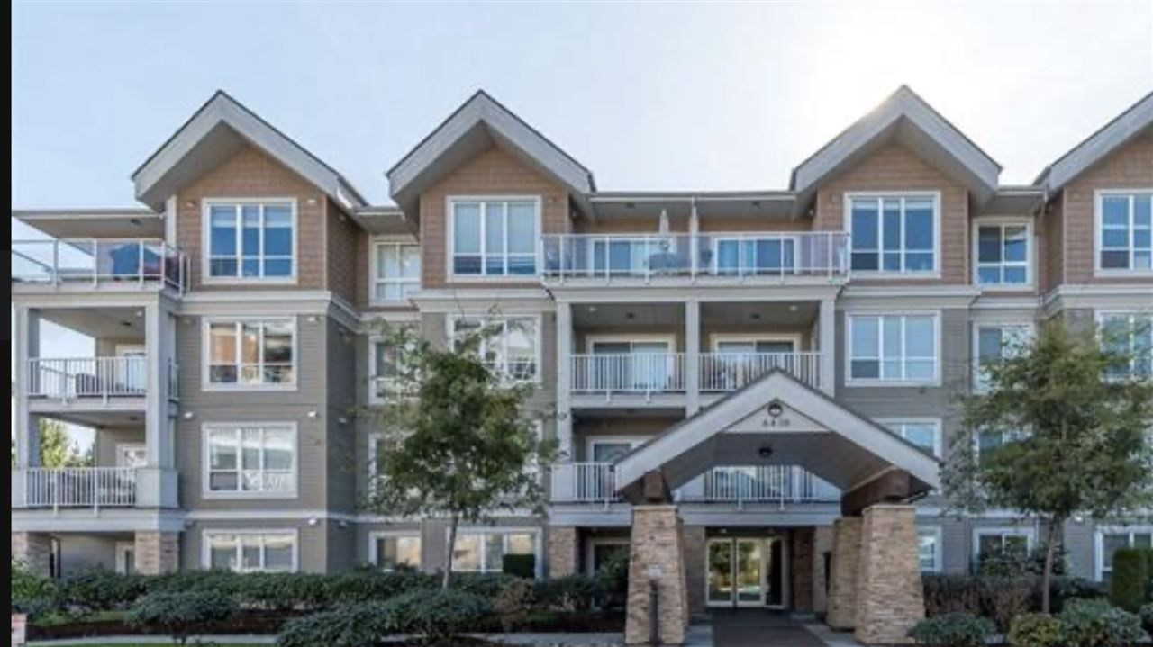 """Main Photo: 305 6430 194 Street in Surrey: Clayton Condo for sale in """"Waterstone"""" (Cloverdale)  : MLS®# R2415420"""