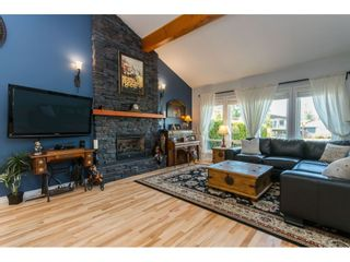 Photo 8: 19650 50A AVENUE in Langley: Langley City House for sale : MLS®# R2449912