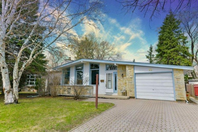 FEATURED LISTING: 87 Leeds Avenue Winnipeg