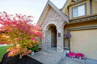 """Photo 3: 21119 78B Avenue in Langley: Willoughby Heights House for sale in """"YORKSON"""" : MLS®# R2463226"""