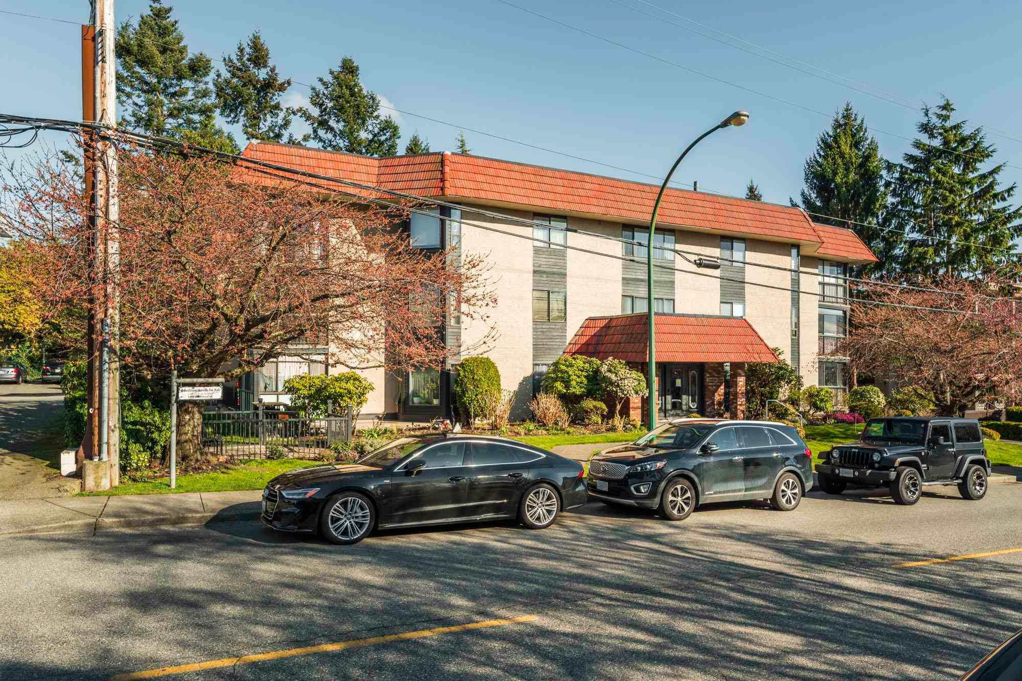 Main Photo: 202 1458 BLACKWOOD Street: White Rock Condo for sale (South Surrey White Rock)  : MLS®# R2595424