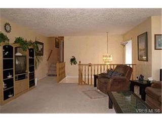 Photo 3:  in VICTORIA: La Florence Lake House for sale (Langford)  : MLS®# 424332