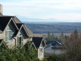 Photo 16: 308 2733 ATLIN PLACE in Coquitlam: Coquitlam East Condo for sale : MLS®# R2039026