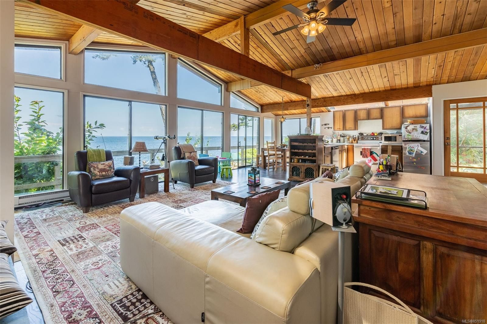 Main Photo: 567 Bayview Dr in : GI Mayne Island House for sale (Gulf Islands)  : MLS®# 851918