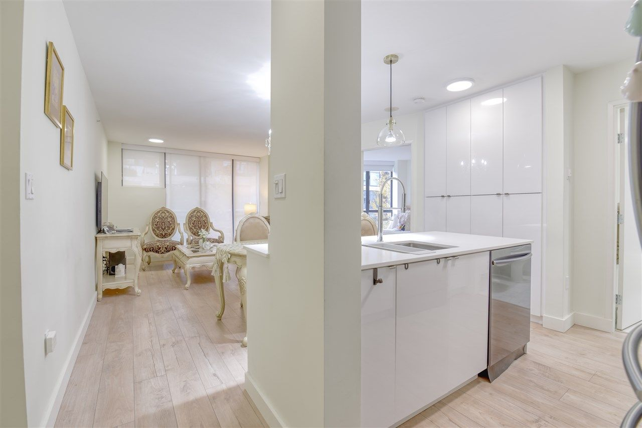 """Photo 14: Photos: 507 124 W 1ST Street in North Vancouver: Lower Lonsdale Condo for sale in """"THE """"Q"""""""" : MLS®# R2509553"""