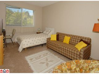 """Photo 7: 404 10662 151A Street in Surrey: Guildford Condo for sale in """"LINCOLN HILL"""" (North Surrey)  : MLS®# F1023055"""