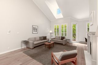 """Photo 5: 322 3769 W 7TH Avenue in Vancouver: Point Grey Condo for sale in """"Mayfair House"""" (Vancouver West)  : MLS®# R2602365"""