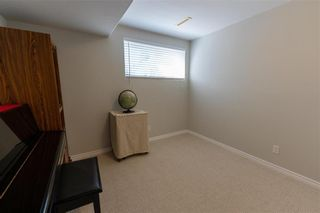 Photo 35: 10 Pamela Road in Winnipeg: Island Lakes Residential for sale (2J)  : MLS®# 202120895