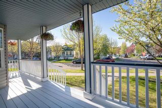 Photo 3: 1604 TOMPKINS Place in Edmonton: Zone 14 House for sale : MLS®# E4246380
