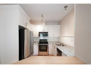 Photo 8: 2587 W 6TH Avenue in Vancouver: Kitsilano Townhouse for sale (Vancouver West)  : MLS®# V1126140