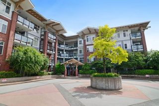Photo 1: 110 11950 HARRIS Road in Pitt Meadows: Central Meadows Condo for sale : MLS®# R2075599