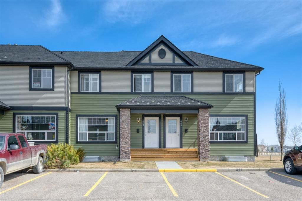 Main Photo: 607 140 Sagewood Boulevard SW: Airdrie Row/Townhouse for sale : MLS®# A1139536