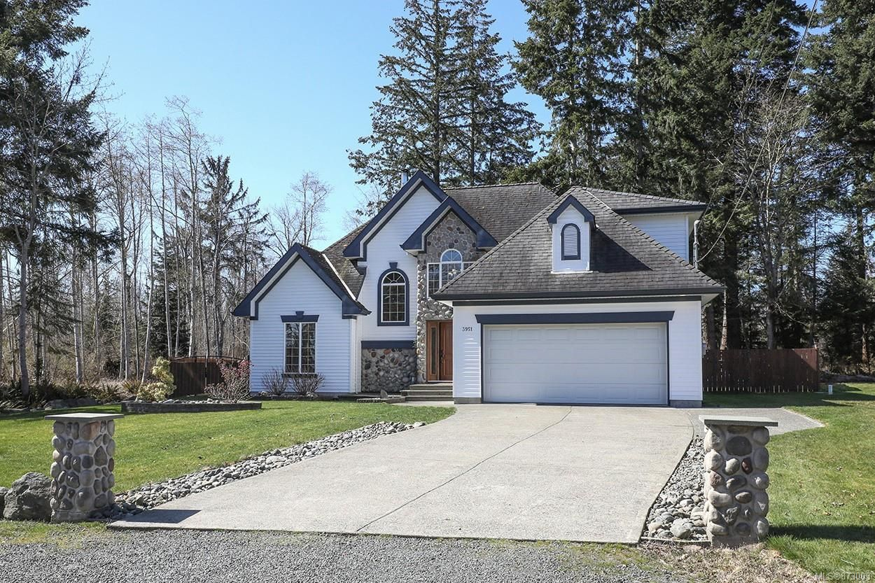 Main Photo: 3951 Leeming Rd in : CR Campbell River South House for sale (Campbell River)  : MLS®# 873003