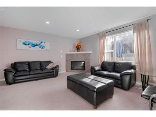 Photo 4: 27 VALLEY STREAM Manor NW in Calgary: Valley Ridge House for sale