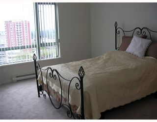 """Photo 7: 1004 140 E 14TH Street in North_Vancouver: Central Lonsdale Condo for sale in """"SPRING HILL"""" (North Vancouver)  : MLS®# V711586"""