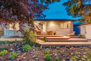 Main Photo: 5204 20 Avenue NW in Calgary: Montgomery Detached for sale : MLS®# A1143619