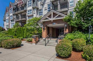 """Photo 3: 320 17769 57 Avenue in Surrey: Cloverdale BC Condo for sale in """"CLOVER DOWNS ESTATES"""" (Cloverdale)  : MLS®# R2604381"""