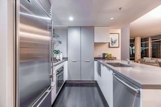 """Photo 14: 1017 788 RICHARDS Street in Vancouver: Downtown VW Condo for sale in """"L'HERMITAGE"""" (Vancouver West)  : MLS®# R2388898"""