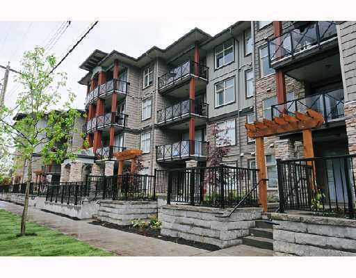 """Main Photo: 217 2336 WHYTE Avenue in Port Coquitlam: Central Pt Coquitlam Condo for sale in """"CENTERPOINTE"""" : MLS®# V812288"""