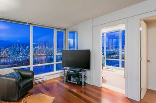 "Photo 7: 802 2483 SPRUCE Street in Vancouver: Fairview VW Condo for sale in ""Skyline"" (Vancouver West)  : MLS®# R2151780"