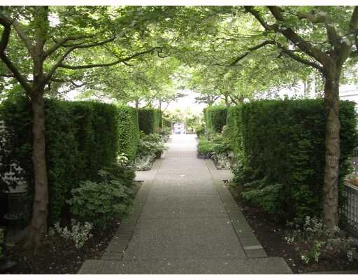 """Main Photo: 106 675 W 7TH Avenue in Vancouver: Fairview VW Condo for sale in """"THE IVY'S"""" (Vancouver West)  : MLS®# V697927"""