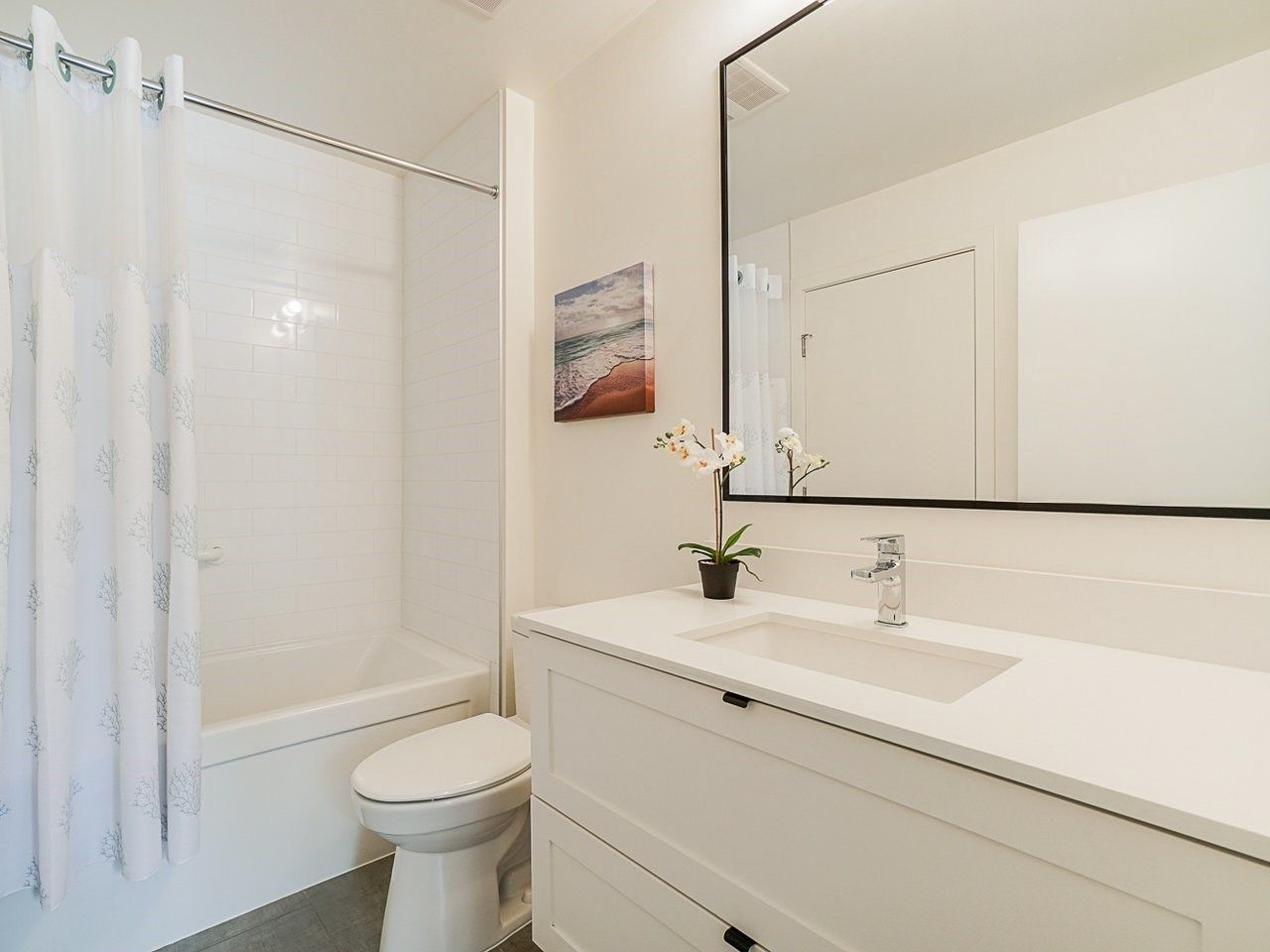 "Photo 24: Photos: 302 3205 MOUNTAIN Highway in North Vancouver: Lynn Valley Condo for sale in ""Mill House"" : MLS®# R2464769"