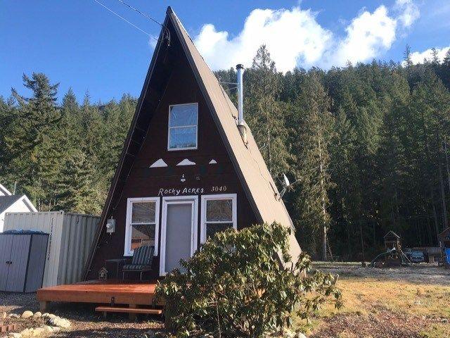 "Main Photo: 3040 MIDNIGHT Way in Squamish: Paradise Valley House for sale in ""MIDNIGHT WAY, PARADISE VALLEY"" : MLS®# R2444990"