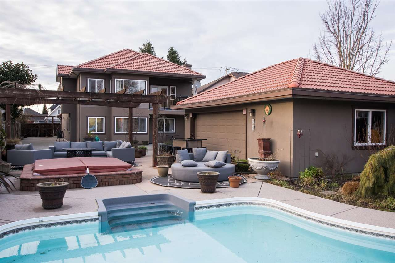 Main Photo: 5126 WESTMINSTER Avenue in Delta: Hawthorne House for sale (Ladner)  : MLS®# R2536898