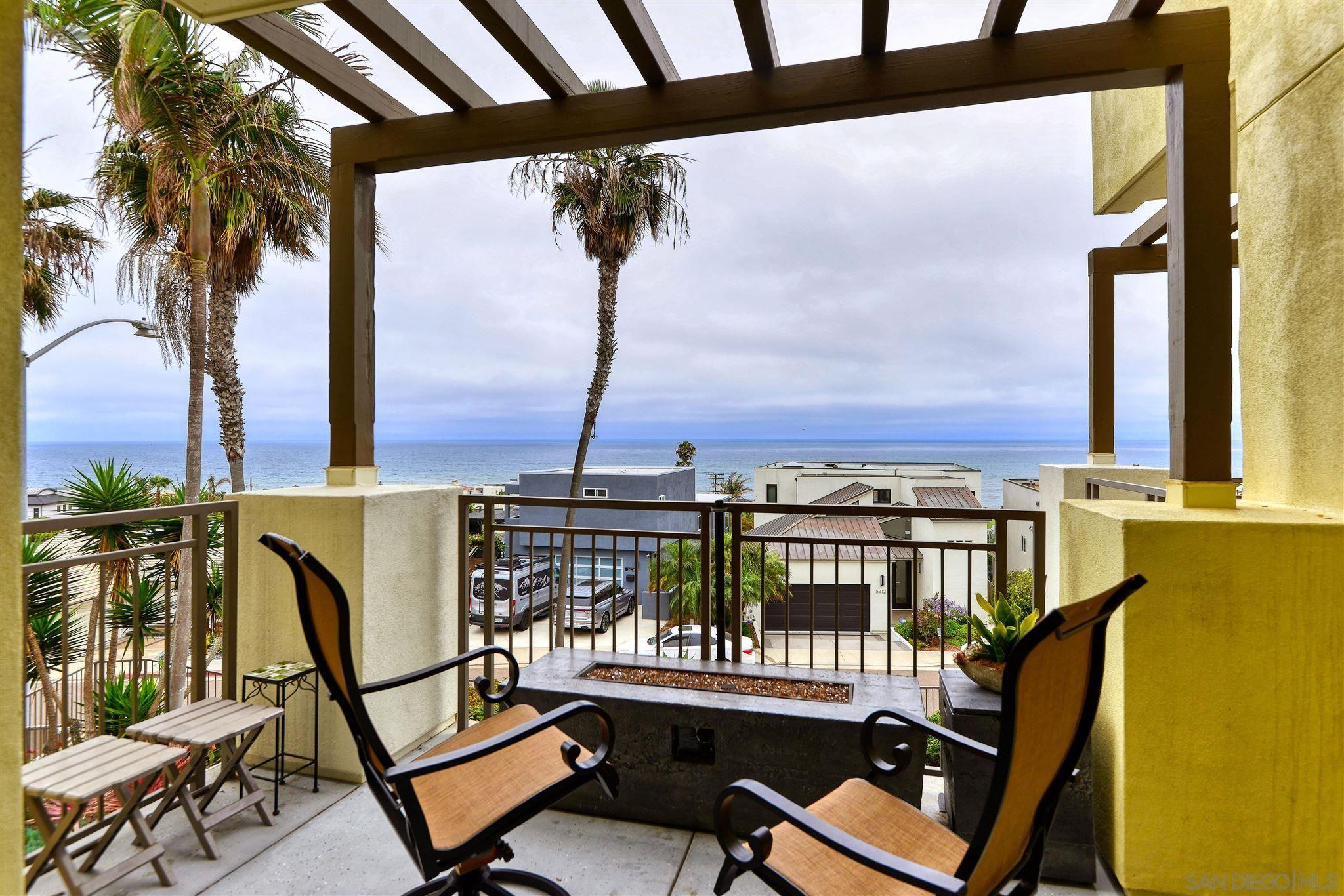 Main Photo: LA JOLLA Condo for sale : 2 bedrooms : 5420 La Jolla Blvd #B202