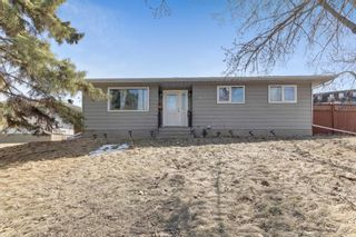 Photo 1: 739 64 Avenue NW in Calgary: Thorncliffe Detached for sale : MLS®# A1086538