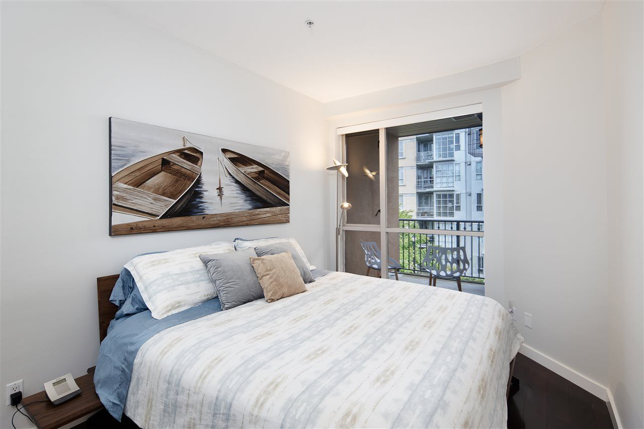 """Photo 10: Photos: 304 2175 SALAL Drive in Vancouver: Kitsilano Condo for sale in """"SAVONA"""" (Vancouver West)  : MLS®# R2460971"""