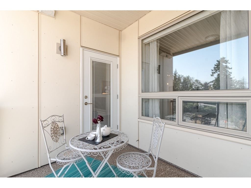 """Photo 18: Photos: 315 19228 64 Avenue in Surrey: Clayton Condo for sale in """"FOCAL POINT"""" (Cloverdale)  : MLS®# R2481765"""