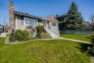 Photo 3: 4223 CHARLES Street in Burnaby: Willingdon Heights House for sale (Burnaby North)  : MLS®# R2606507