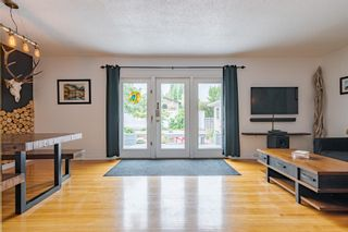 Photo 12: 303 42 Street SW in Calgary: Wildwood Detached for sale : MLS®# A1134148