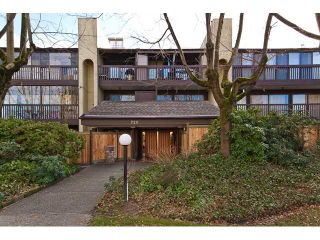 """Photo 1: 202 720 8TH Avenue in New Westminster: Uptown NW Condo for sale in """"SAN SEBASTIAN"""" : MLS®# V924982"""