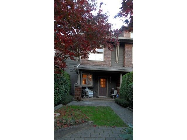 """Main Photo: # 226 600 PARK CR in New Westminster: GlenBrooke North Townhouse for sale in """"ROYCROFT"""" : MLS®# V1032836"""