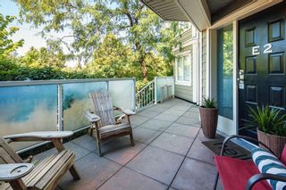 "Photo 1: E2 1100 W 6TH Avenue in Vancouver: Fairview VW Townhouse for sale in ""FAIRVIEW PLACE"" (Vancouver West)  : MLS®# R2189422"