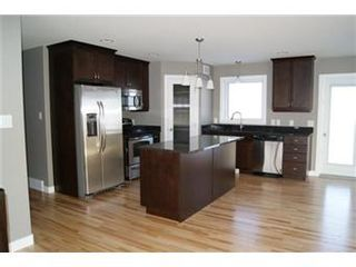 Photo 2: 324 Player Crescent: Warman Single Family Dwelling for sale (Saskatoon NW)  : MLS®# 388449