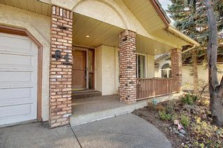 Photo 2: 84 Strathdale Close SW in Calgary: Strathcona Park Detached for sale : MLS®# A1046971